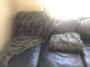 2 Wolf throw blanket for Sale in Phoenix, AZ