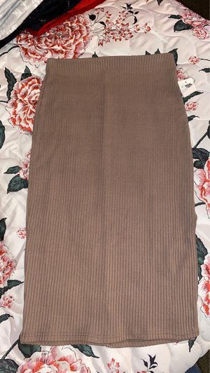 C.R beige pencil skirt for Sale in Chicago, IL