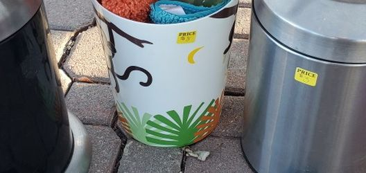 Trash Cans for Sale in Colorado Springs,  CO
