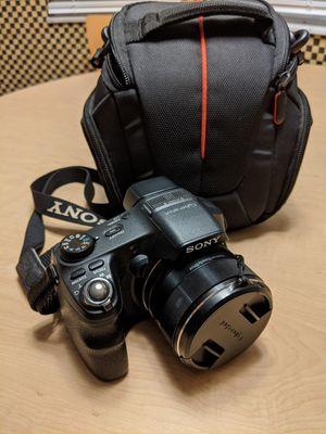 Sony Cyber-shot DSC-HX200V 18.2 MP Exmor R CMOS Digital Camera with 30x Optical Zoom and 3.0-inch LCD Cybershot for Sale in Alafaya, FL