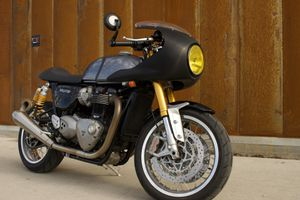 Triumph Thruxton R 2016 motorcycle 1200cc for Sale in South Gate, CA