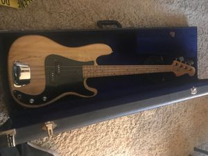 Hondo 2 vintage 1970's Bass Guitar for Sale in Chino Hills, CA