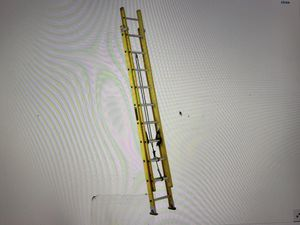Louisville 20 Ft Extension Ladder excellent condition. for Sale in Las Vegas, NV