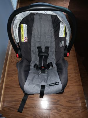 Graco baby car seats -5-21-2018 for Sale in Kentwood, MI