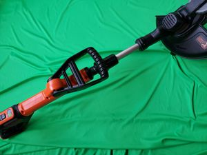 BLACK & DECKER 20V CORDLESS WEED WACKER /BATTERY for Sale in Beaumont, CA