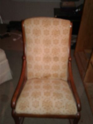 Antique Eagle rocking chair for Sale in Memphis, TN