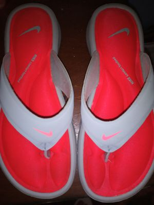 Nike sandles for girls for Sale in Pawtucket, RI