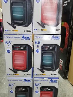 LOUD AND POWERFUL BLUETOOTH SPEAKERS WITH MICROPHONE. ASK ME FOR WHOLESALE PRICE for Sale in Los Angeles,  CA