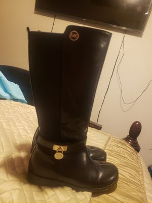 Girls mk Kors boots for Sale in Brownsville, TX