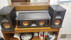 Klipsch rc52 and rb52 x 2 speakers for Sale in Bridgeville, PA
