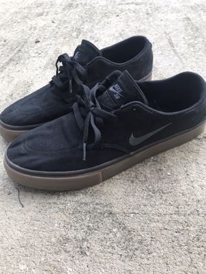 Nike SB Skate Shoes: Size US11 for Sale in Jacksonville, FL