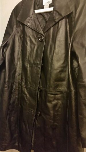 Woman's leather coat for Sale in Sanger, CA