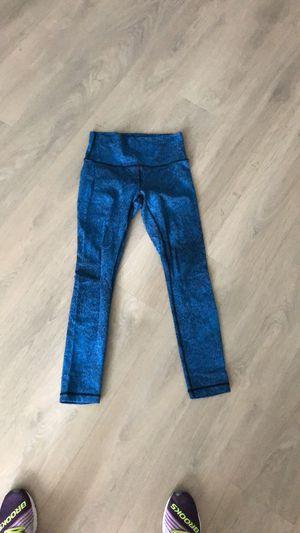 Lululemon blue/black leggings for Sale in Bethesda, MD