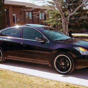 like new 07 Nissan altima for Sale in Cleveland, OH
