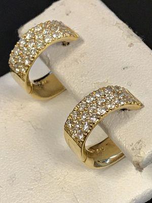 18 K gold diamond earrings for Sale in Riverview, MI