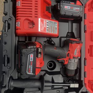 Milwaukee Hammer Drill Driver Kit for Sale in Houston, TX