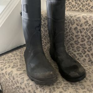 Black Rain boots for Sale in Wayne, PA