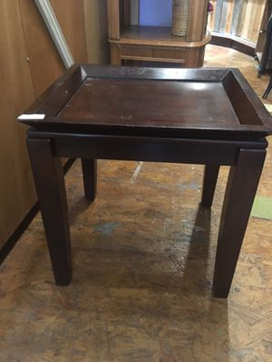 Solid wood side table plant stand $20 for Sale in San Diego, CA
