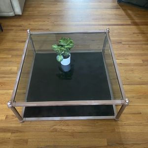 Vintage Style Coffee Table for Sale in Tulare, CA