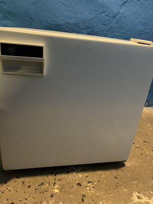 GE mini refrigerator for Sale in Philadelphia, PA