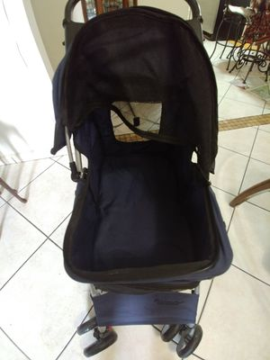 Stroller for dog for Sale in Miami, FL