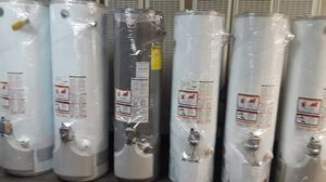 For sale water heater today for 320 whit installation included for Sale in Phelan, CA