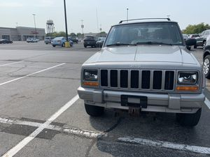 Jeep Cherokee 2000(xj) for Sale in Chicago, IL