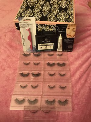 Brand new luxe lash set👀 $5 for all for Sale in Hyattsville, MD