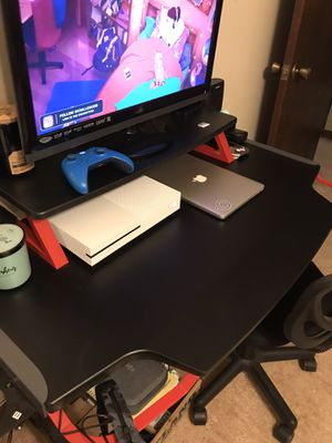 Gaming / PC desk for Sale in Clinton, MS