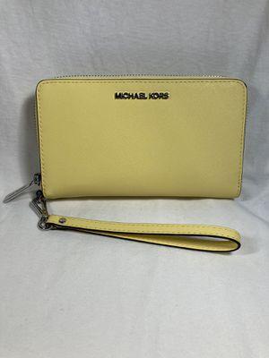 Michael Kors Wristlet Wallet for Sale in Columbus, OH