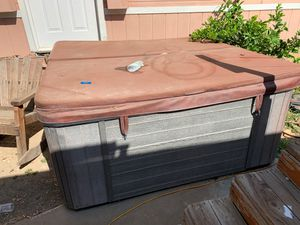 Hot tub free. for Sale in Perris, CA