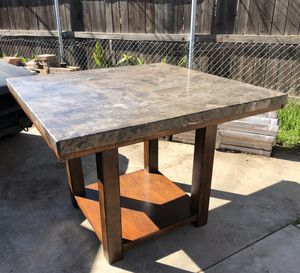 Dining table for Sale in Homeland, CA