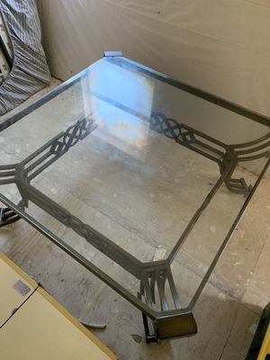 Glass coffee table for Sale in Winter Haven, FL