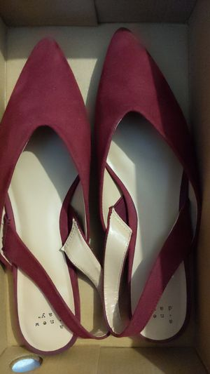 Womens Size 11 for Sale in Los Angeles, CA