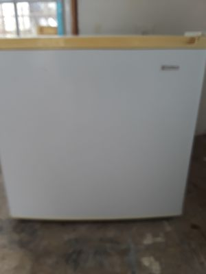 Used Kenmore Student Refrigerator for Sale in Rockville, MD