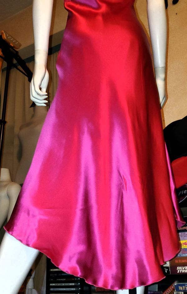 NWT- Gorgeous 100% Silk Pink/fuchsia Prom/wedding/Evening Dress w/matching Sweater by W.D.N.Y.