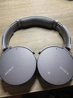 Sony extra bass noise cancelling headphone for Sale in CA, US