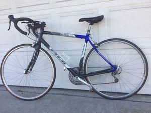 Fuji Newest 3.0 road bike for Sale in San Diego, CA