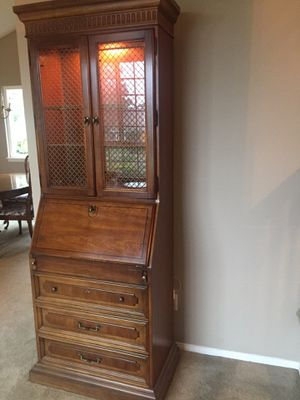 Secretary - opens to desk - great condition for Sale in Yorba Linda, CA