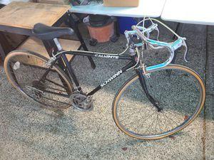 Vintage schwinn Caliente men's bike for Sale in Tacoma, WA