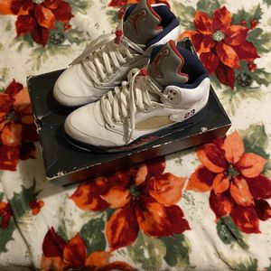 Jordan Retro Olympic 5s Size 9.5 for Sale in Tacoma, WA
