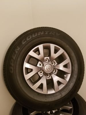 2019 Toyota Tacoma factory wheels and tires for Sale in DeFuniak Springs, FL