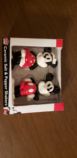 Mickey and minnie salt and pepper shakers for Sale in Martinsburg, WV