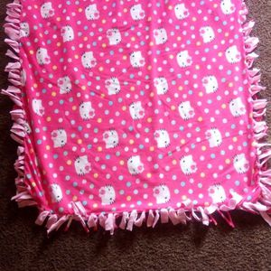 Hello Kitty Knot Tie Blanket for Sale in Fresno, CA