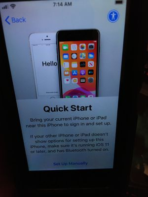 iPhone SE SILVER W/OtterBox for Sale in Frisco, TX