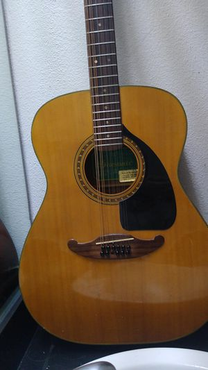 Acoustic guitar for Sale in Dallas, TX