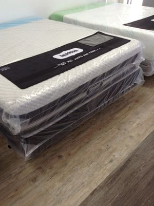 Mattresses closeout for Sale in Tampa, FL