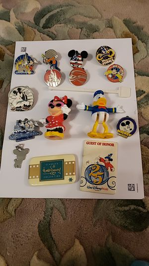 DISNEY WORLD PINS/COLLECTIBLES (16) for Sale in South Bend, IN