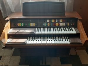 Organ Piano for Sale in Burbank, IL