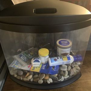 Complete 5 Gallon Fish Tank And Supplies for Sale in Kirkland, WA